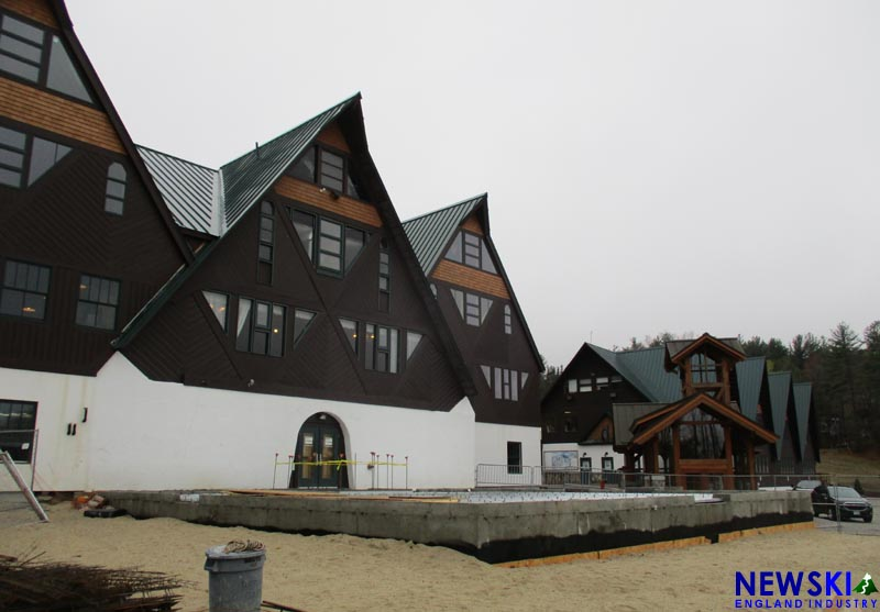 Pats Peak Base Lodge